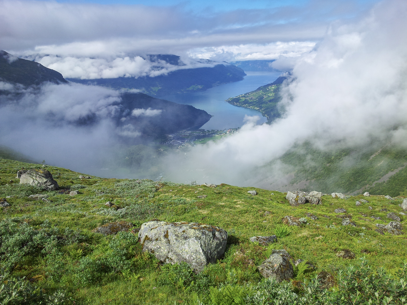 Explore Nordfjord and sail with us in the amazing fjords of Norway
